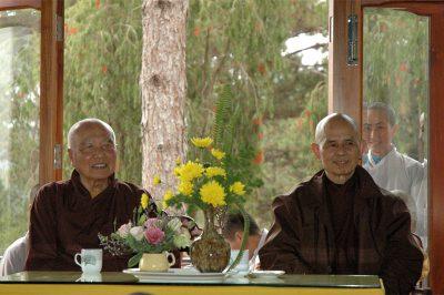 2007 02 27 ts Nhất Hạnh thăm ts Thanh Từ