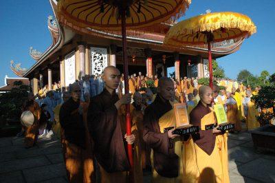 2007 03 10 rước giới bản Đại giới đàn Phương Bối
