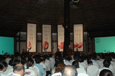 2007 03 15 khóa tu cho doanh nhân kdl Văn Thánh - ts Nhất Hạnh và Tăng thân Làng Mai