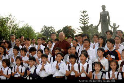 2008 05 tu viện Bát Nhã tăng thân trẻ