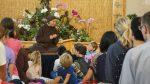 Sư cô Diệu Nghiêm (người Hà Lan) cho pháp thoại cho các em nhỏ.1