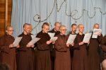 Quý thầy, quý sư cô cùng hát Thánh ca mừng Giáng sinh