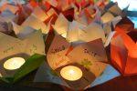Đèn hoa đăng cũng chuyên chở thông điệp hòa bình